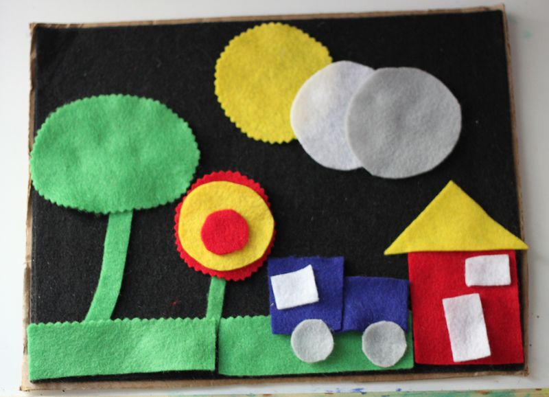 http://www.smallfriendly.com/small-friendly/2012/07/diy-travel-size-felt-board.html