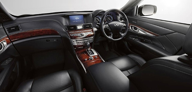 Infiniti Q70 - Interior Front - Car Hire Perth - Northside Rentals