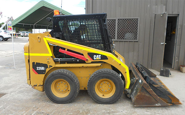 Caterpillar 226B Skid Steer Loader